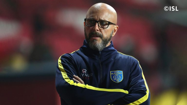 What led to the failure of Eelco Schattorie at Kerala Blasters?