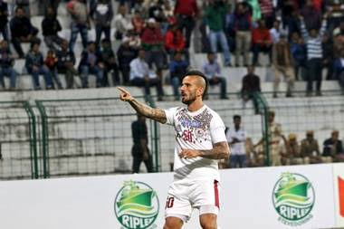 Fran González approached by Kerala Blasters FC images 2 2