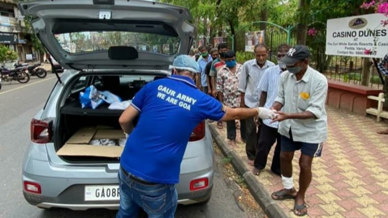 Football Supporters from Goa lend their helping hand to frontline workers