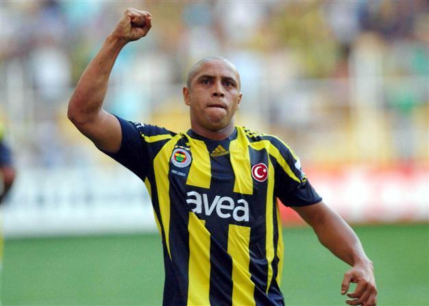 Roberto Carlos - People of Kerala were like Brazillian football fans image downloader 1621505059816