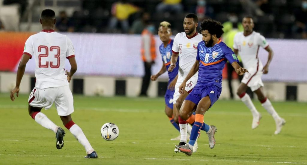 Gurpreet, Sandesh rise to the occasion to bail out India's sinking ship