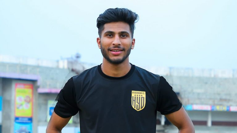 Official – Hyderabad FC signs winger Aniket Jadhav on a three year deal