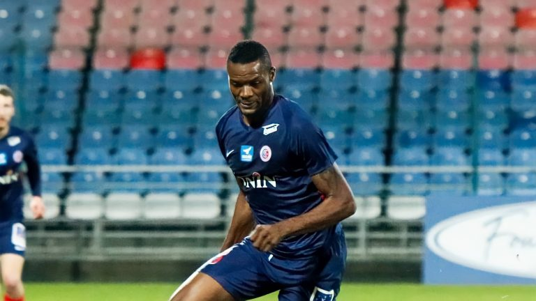 Official – Bengaluru FC signs Congolese striker Prince Ibara