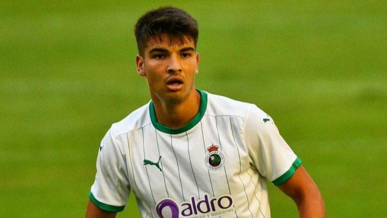 Official – Hyderabad FC signs Spanish striker Javi Siverio